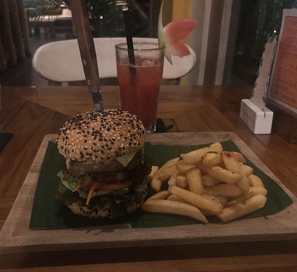 Habitat Cafeのハンバーガー